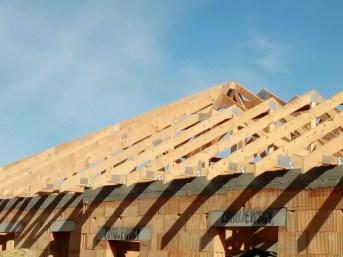 dach z wiązarów drewnianych mg dachy