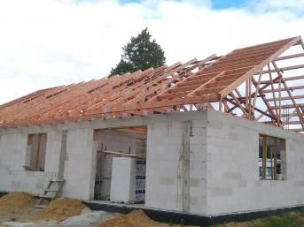 Dach z wiązarów prefabrykowany