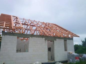 Dom jednorodzinny wiązary dachowe MGDachy
