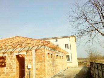 wiązary na dachu domu mg dachy